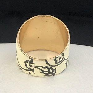 Vintage Jewelry - Vintage Ring Floral Design Retro 4X